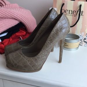 Platform snakeskin Aldo heels 39 (8.5)